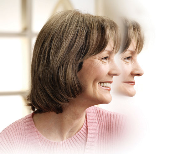 En esta imagen apreciamos el cambio en el perfil de una persona en el que se simula la extracción de todas sus piezas dentarias