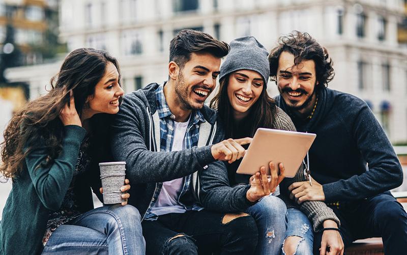 Velez-y-Lozano-Millennials.jpg